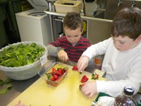 Cafeteria Manger, Tony Felix, teaches students healthy cooking tips